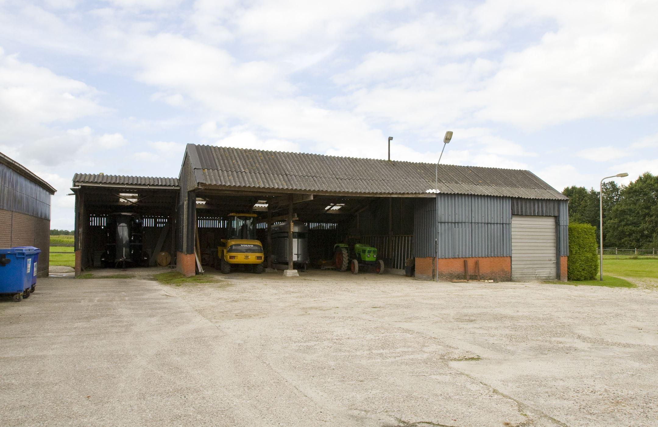 Huis te koop west 34 9285 wc buitenpost funda for Woonboerderij te koop
