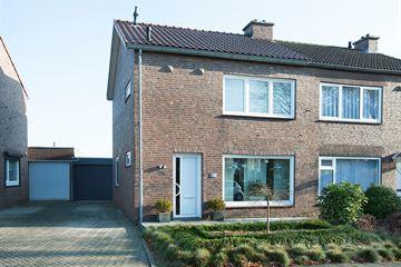 Pastoor Halmansstraat 28