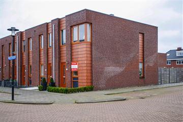 Opper Van Treurenstraat 56