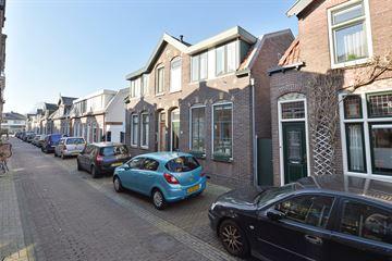 De Ruyterstraat 14