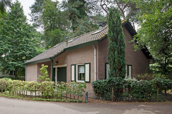 Huis te koop  Lage Bergweg 31   F5 7361 GT Beekbergen [funda]