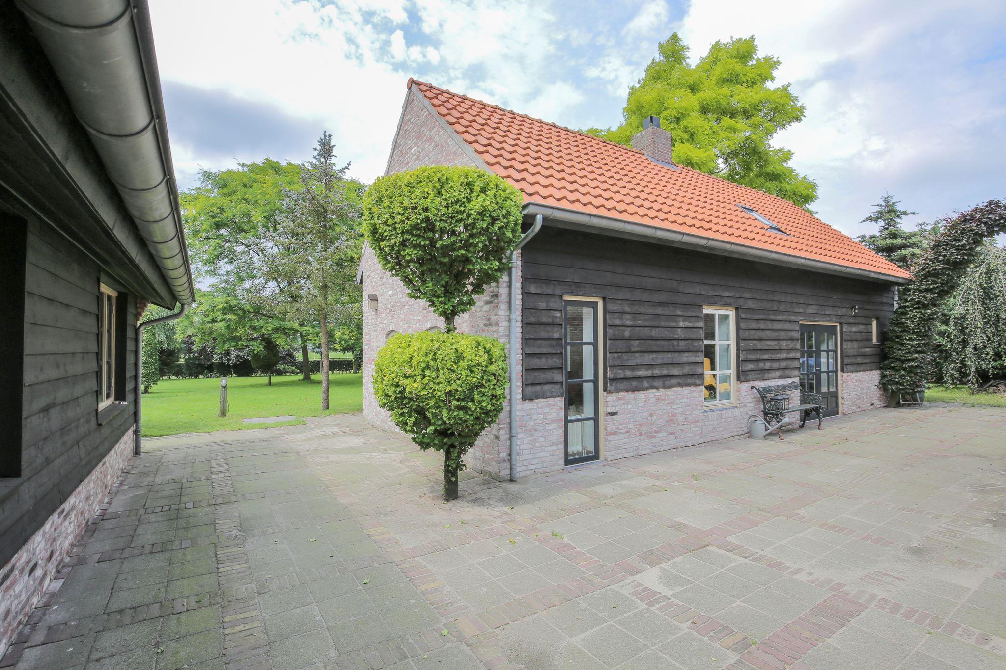 Huis te koop: oirschotseweg 73 5066 ch moergestel [funda]