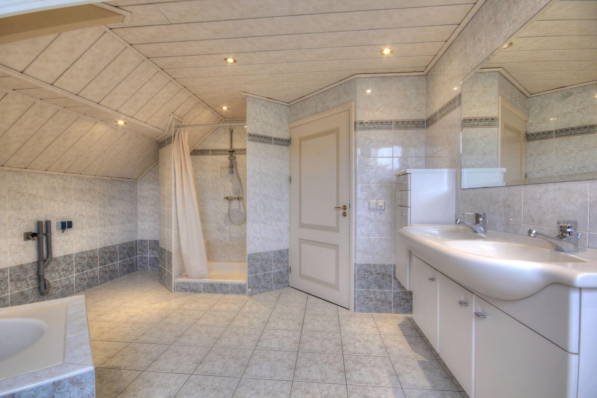 Huis te koop: loenhorsterweg 7 6741 nb lunteren [funda]