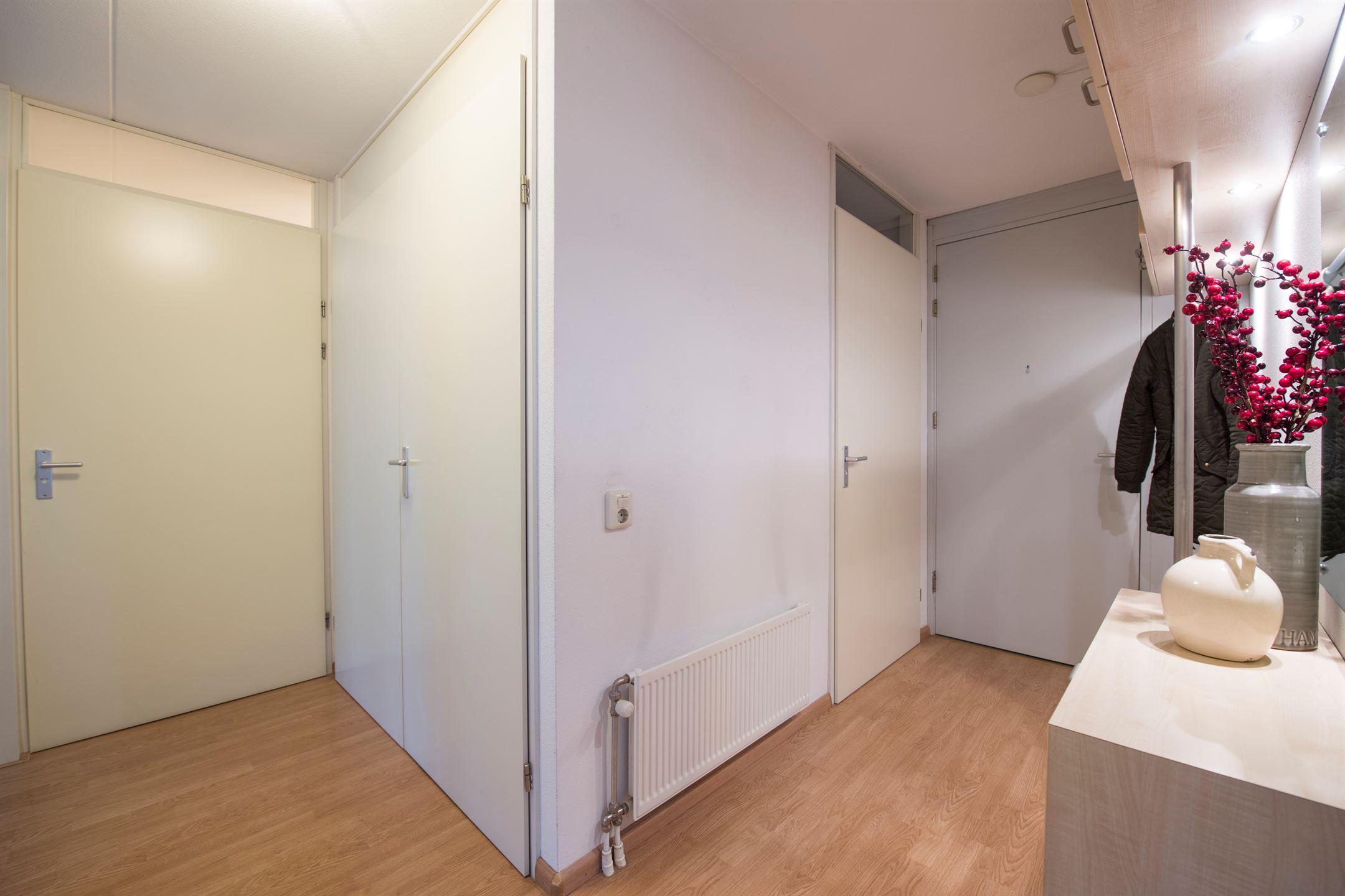 Appartement te koop gotenpark 155 5037 sn tilburg funda - Modern volwassen kamer behang ...