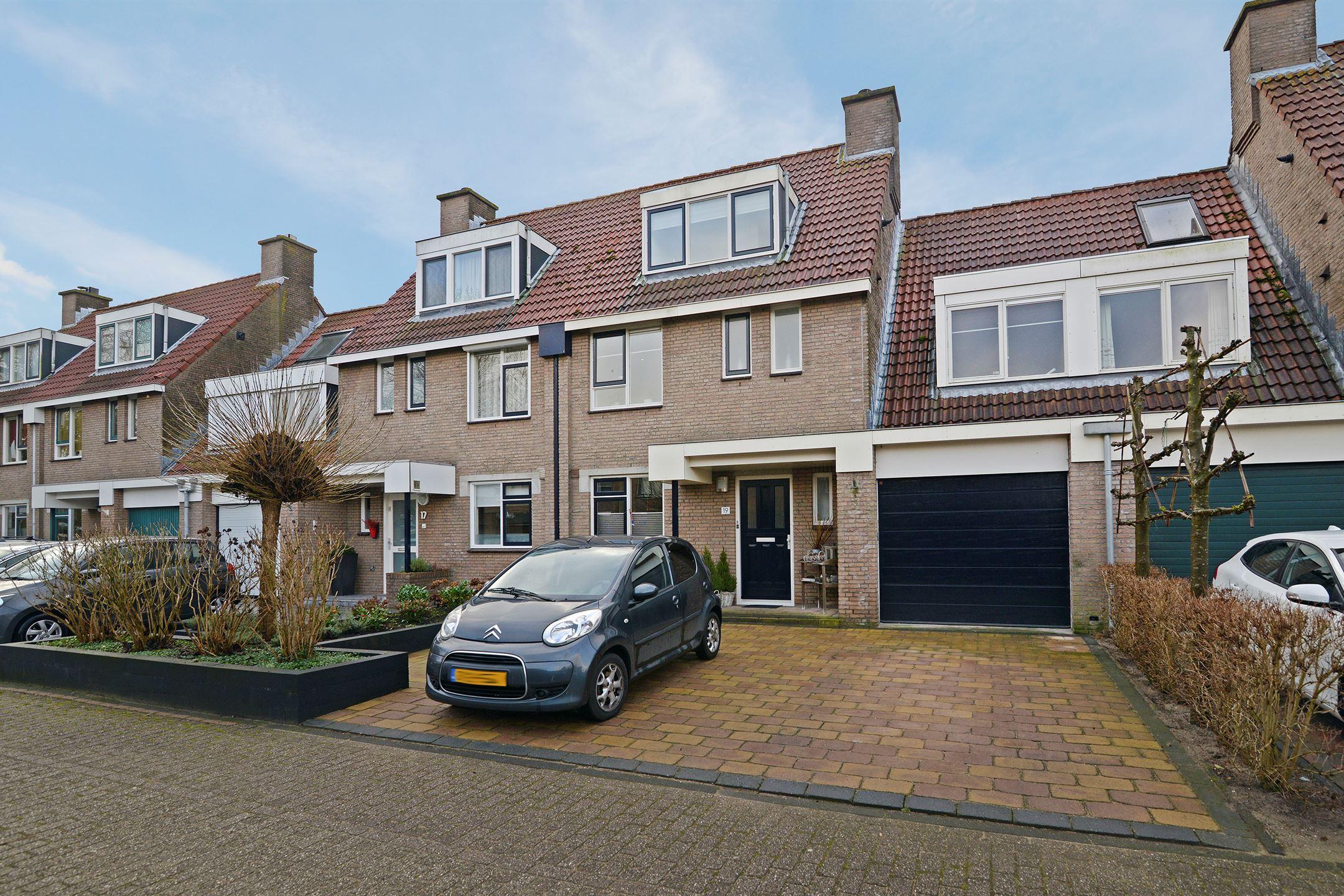 Huis te koop: Bronmos 19 2811 GR Reeuwijk [funda]