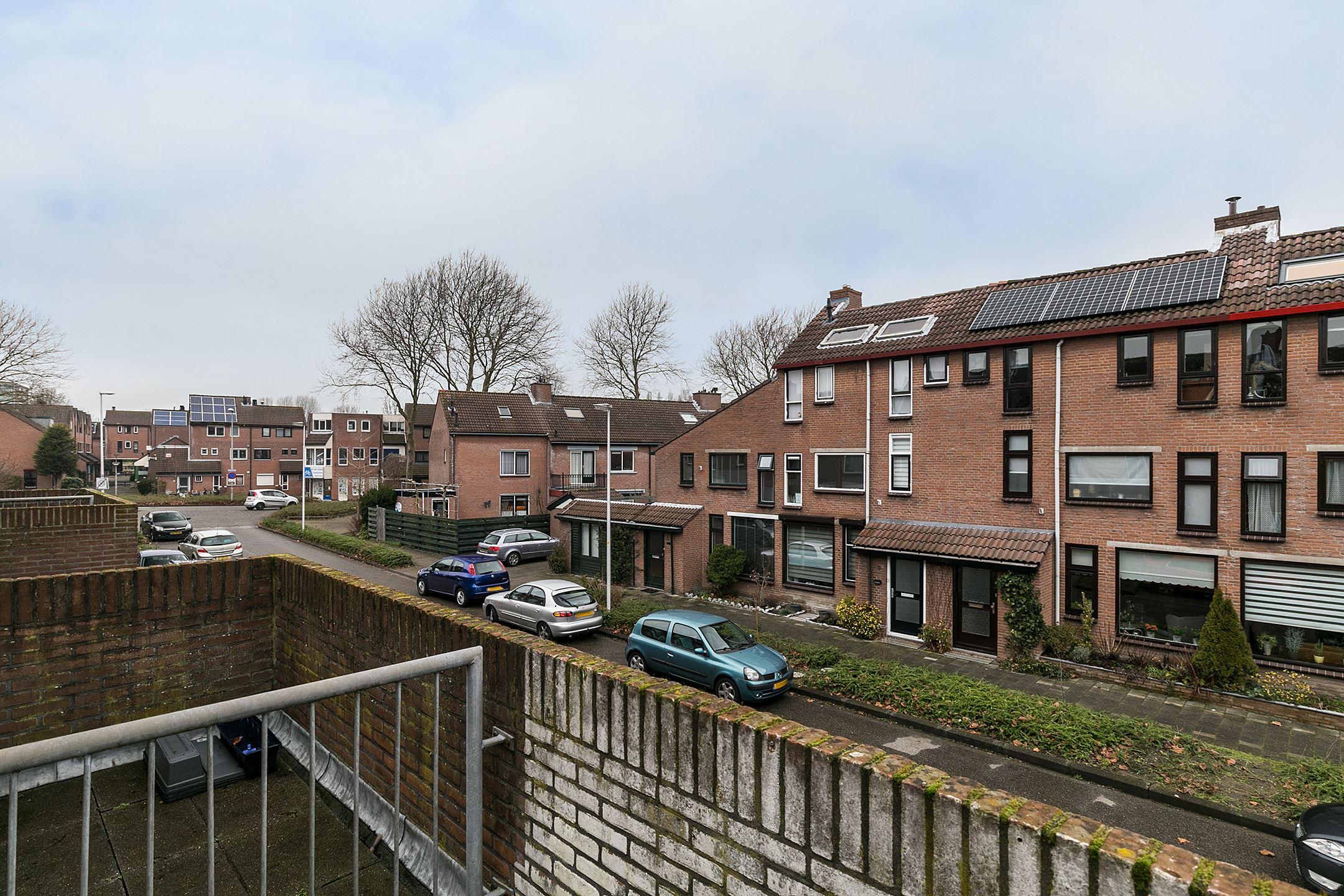 Huis te koop pitrusvaart 27 2724 va zoetermeer funda - Foto moderne inbouwkeuken ...