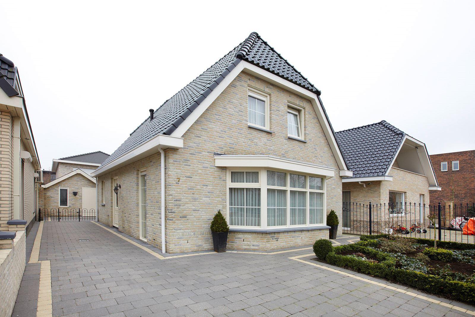 Huis te koop moeraszegge 7 4823 mh breda funda for Dubbel woonhuis te koop
