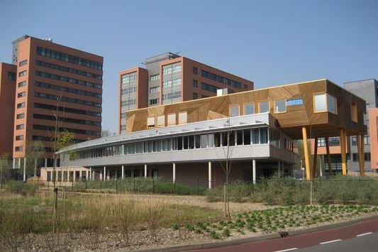 Bekijk foto 1 van Kronenburgsingel 60