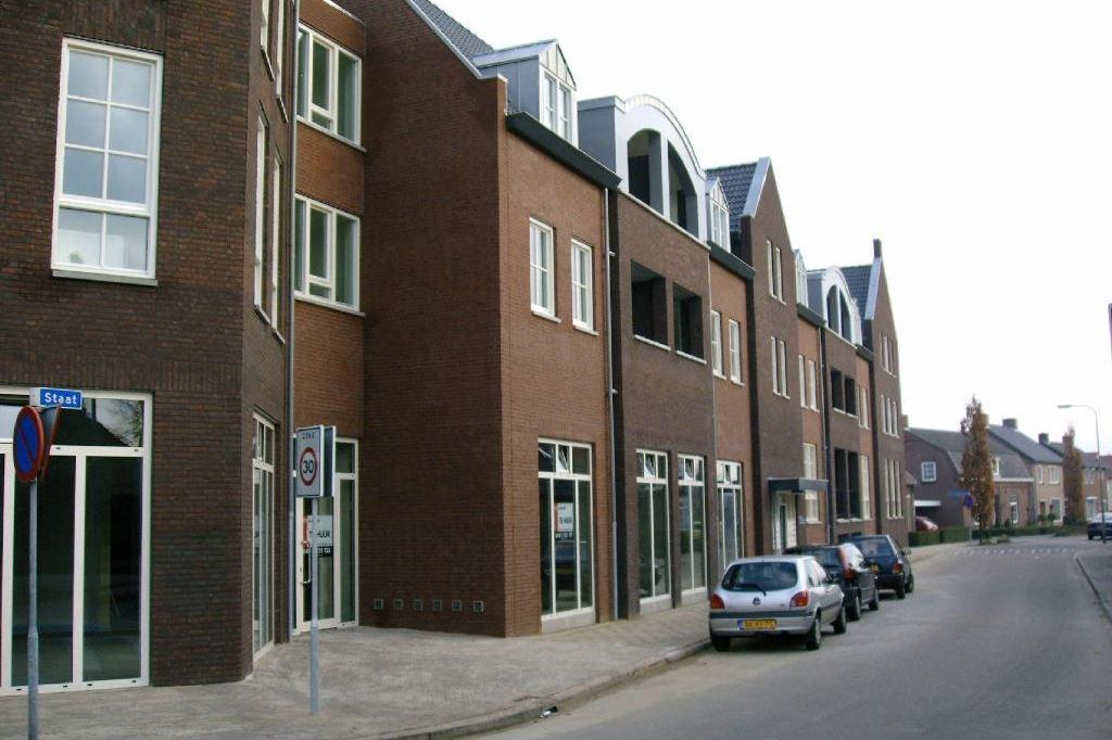 Bekijk foto 3 van Brugstraat 2