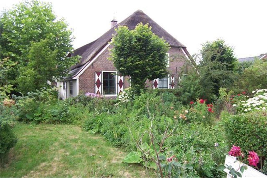 Bekijk foto 2 van Waalstraat 4