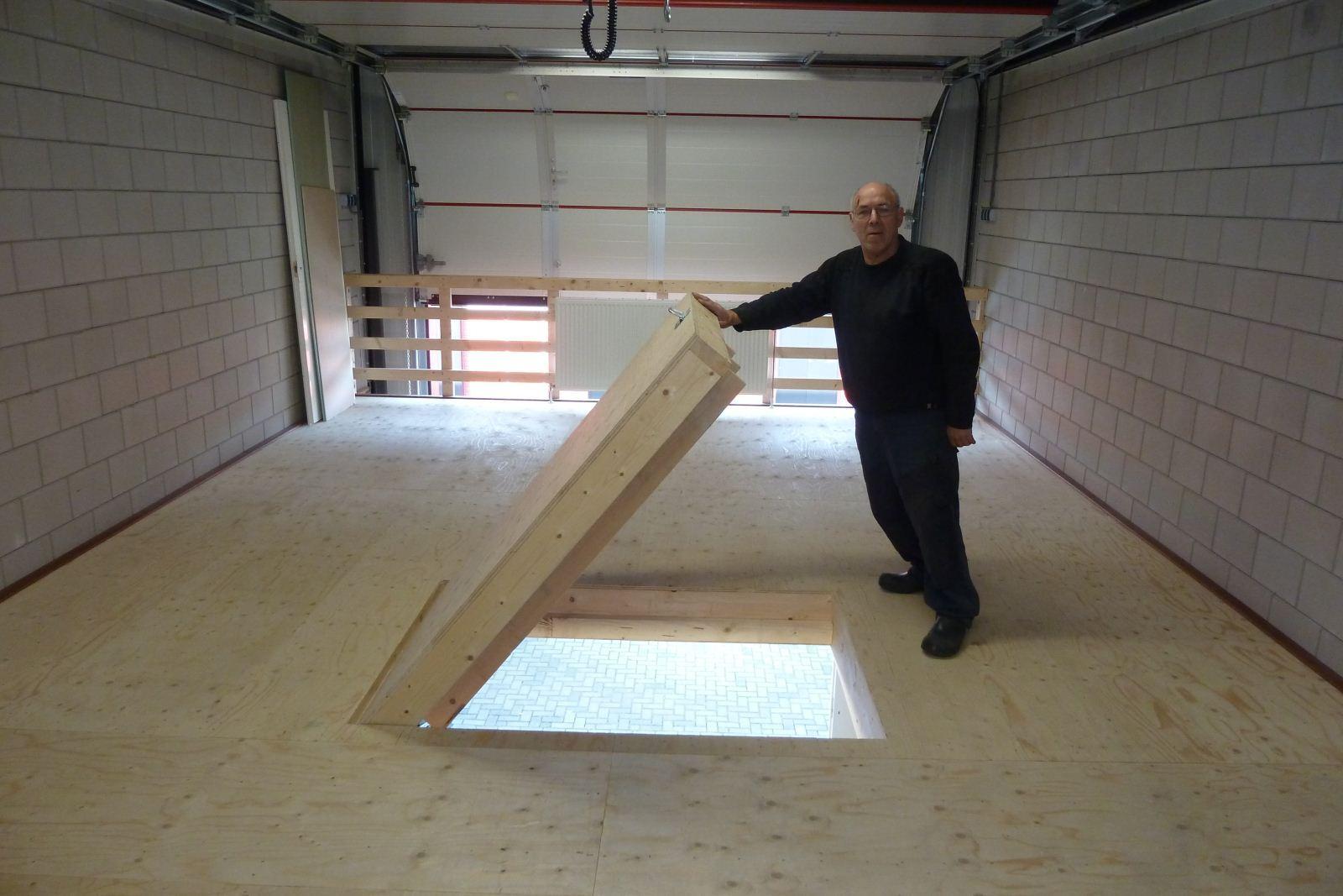 Zolderluik maken zolderluik maken balustrade voor om het for Trapgat maken