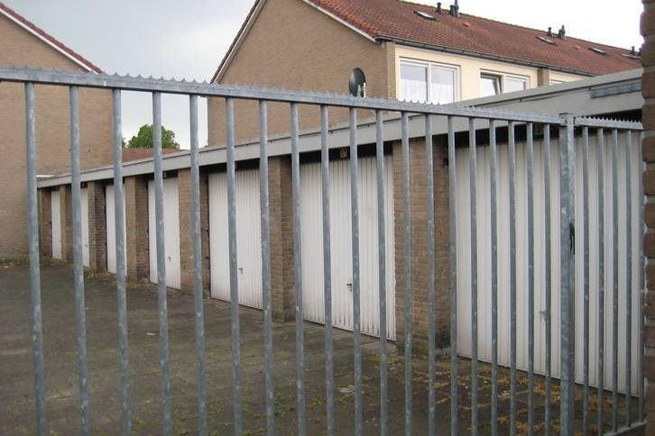 Garage Huren Zutphen : Parkeergelegenheid te huur bernerstraat av zutphen funda