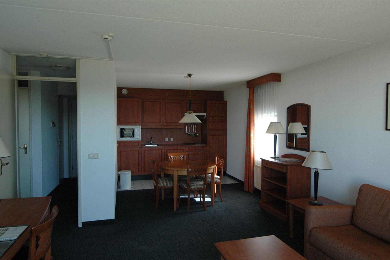 Bekijk foto 4 van IJsselmeerweg 3