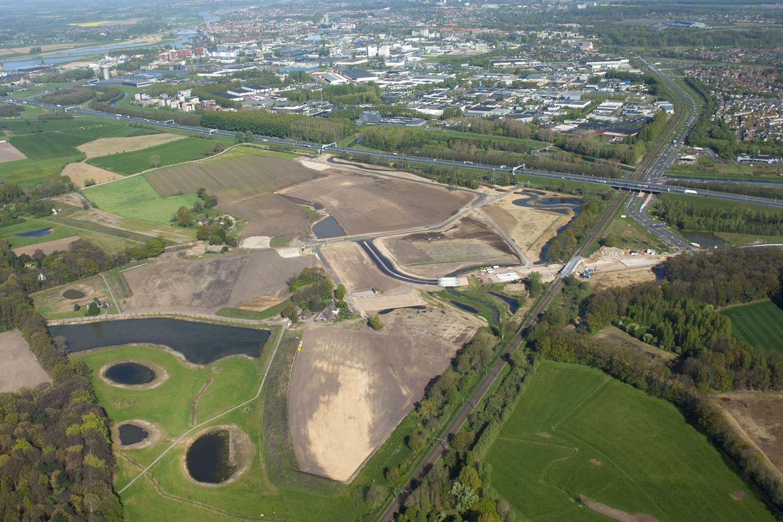 Bekijk foto 1 van Bedrijvenpark A1 **