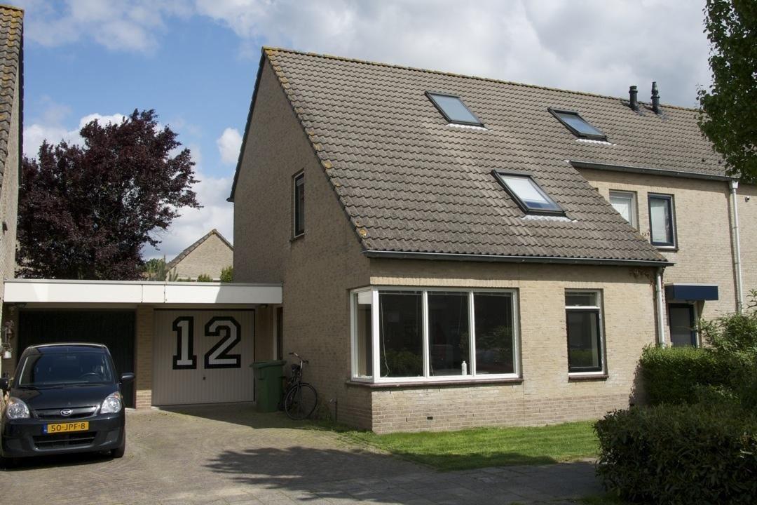 Huis te koop hortensiastraat 12 1338 zr almere funda for Huis te koop as