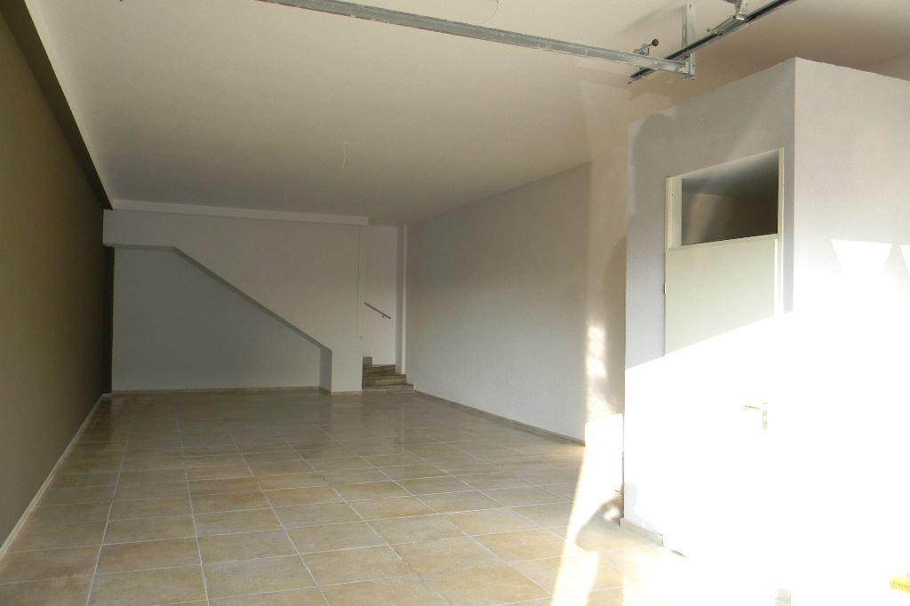 Bekijk foto 3 van Industrieweg 42