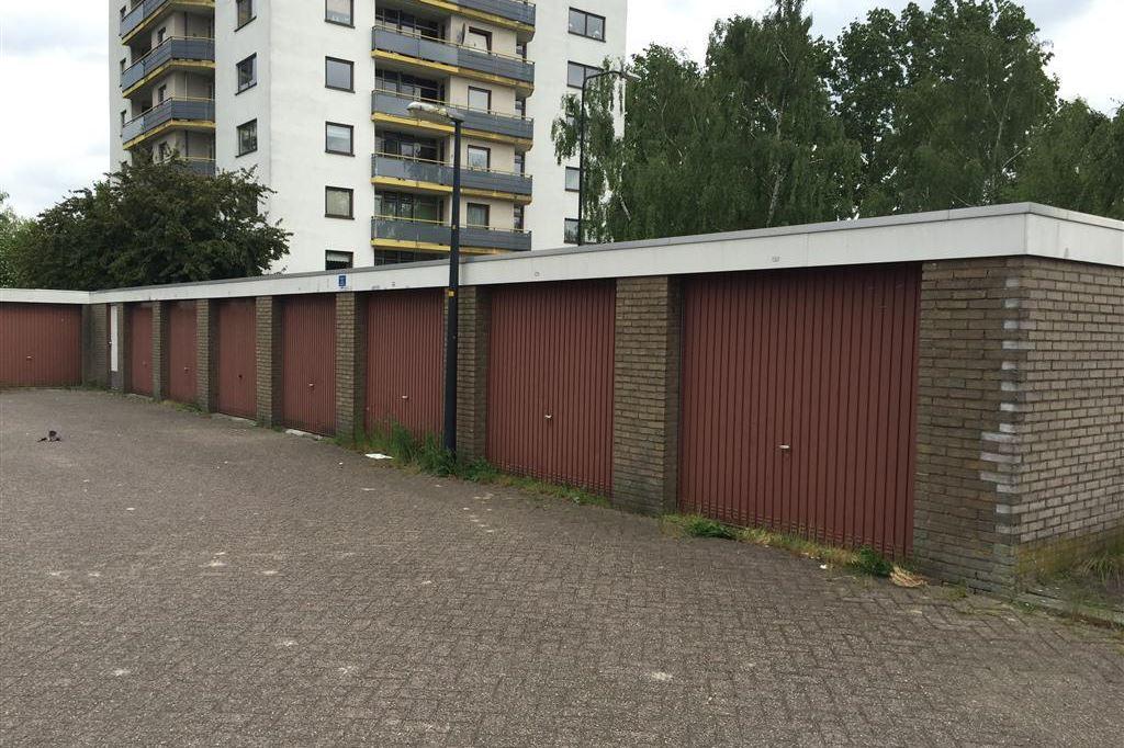 Garage Huren Apeldoorn : Parkeergelegenheid te huur kalmoesstraat nl apeldoorn funda