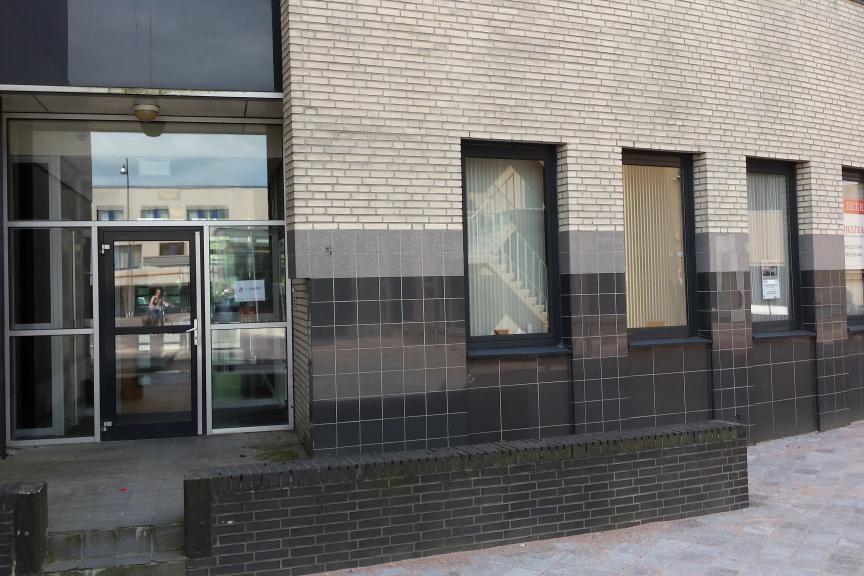 Bekijk foto 2 van Burgemeester Wuiteweg 38