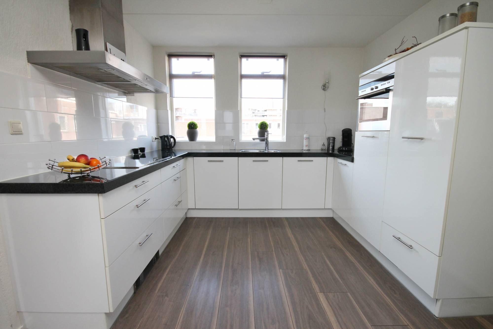 Appartement te koop schoolstraat 15 7741 hr coevorden funda - Foto moderne inbouwkeuken ...