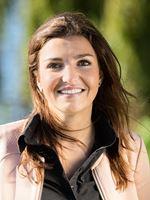Steffi van den Heuvel (Real estate agent assistant)