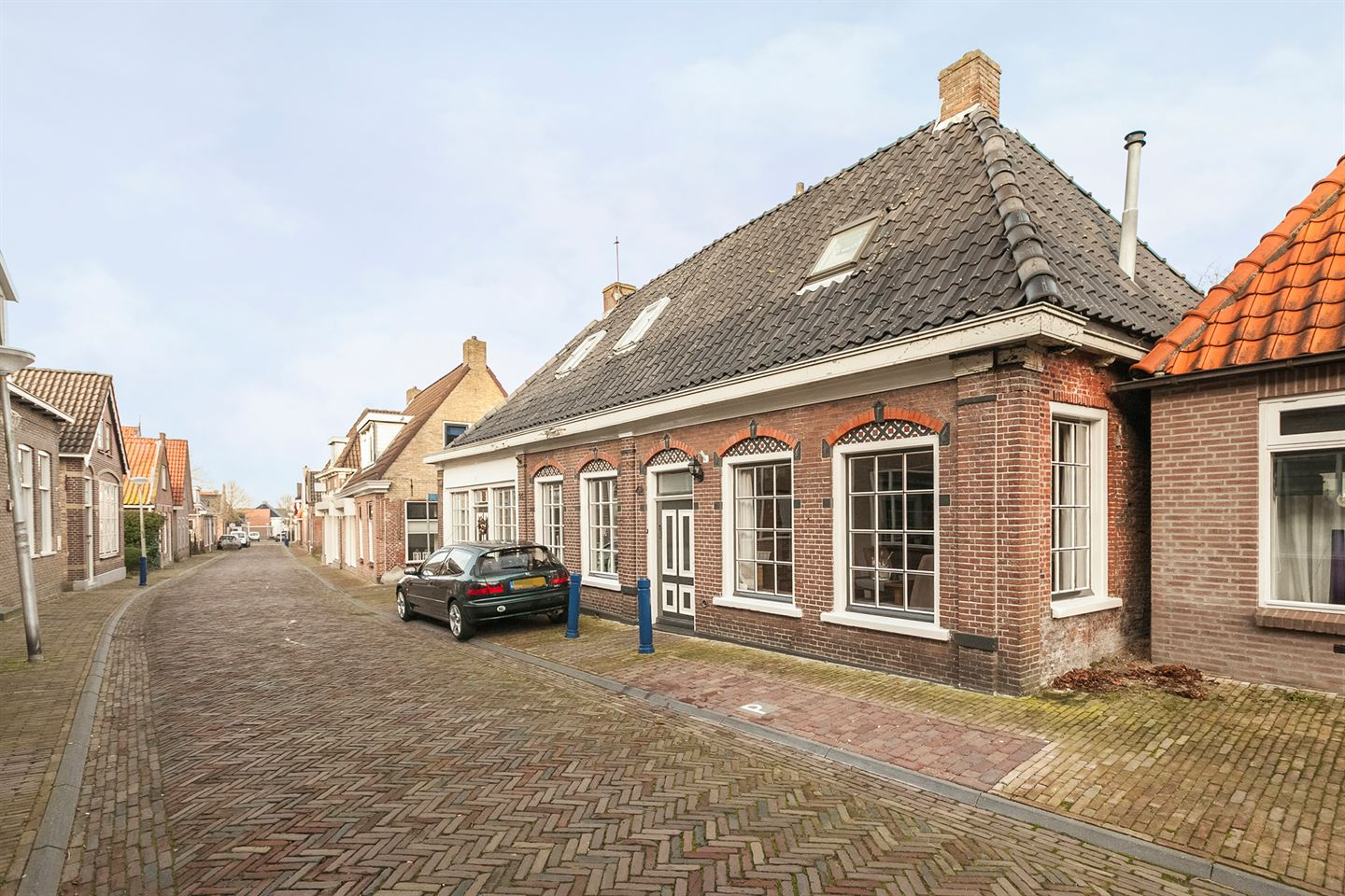 View photo 2 of Hoofdstraat 42