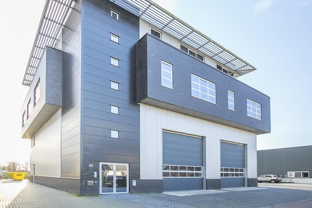 Bekijk foto 2 van Industrieweg 38