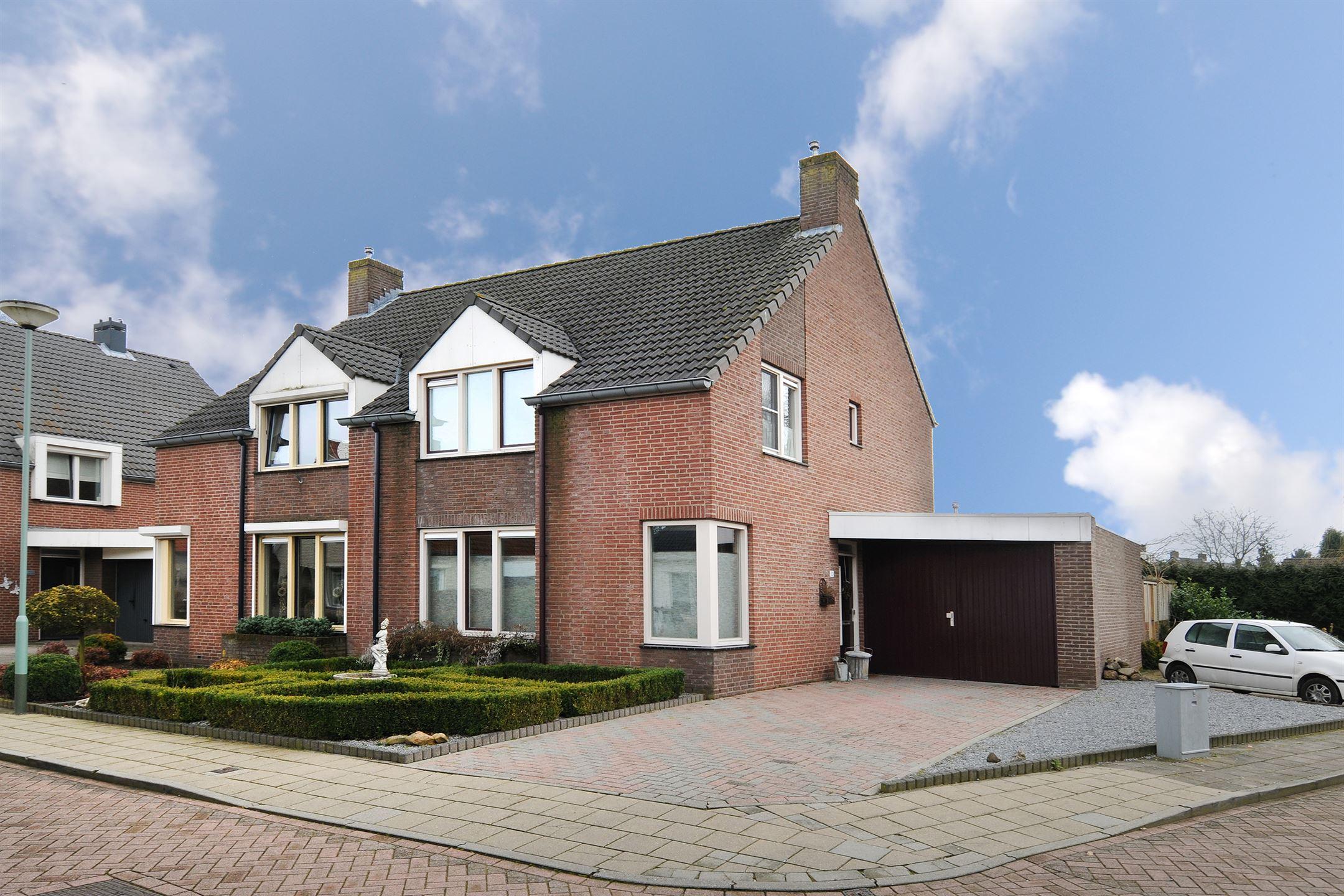 Huis te koop kuypershof 12 5995 ng kessel funda for Mijn huis op funda