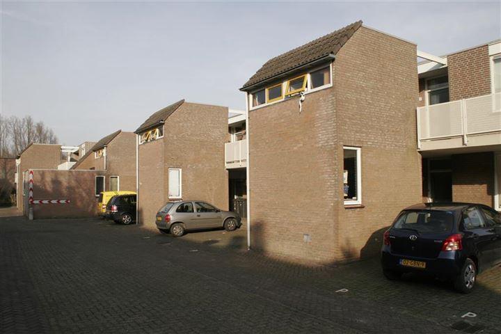 Holwardastraat 2 t/m 32  - Boven- en benedenwoningen