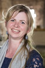 Afra Jongewaard - Secretaresse