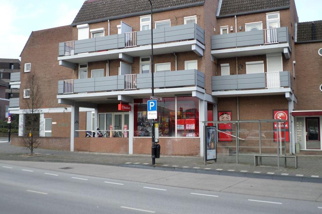 Bekijk foto 1 van Veldhofstraat 19