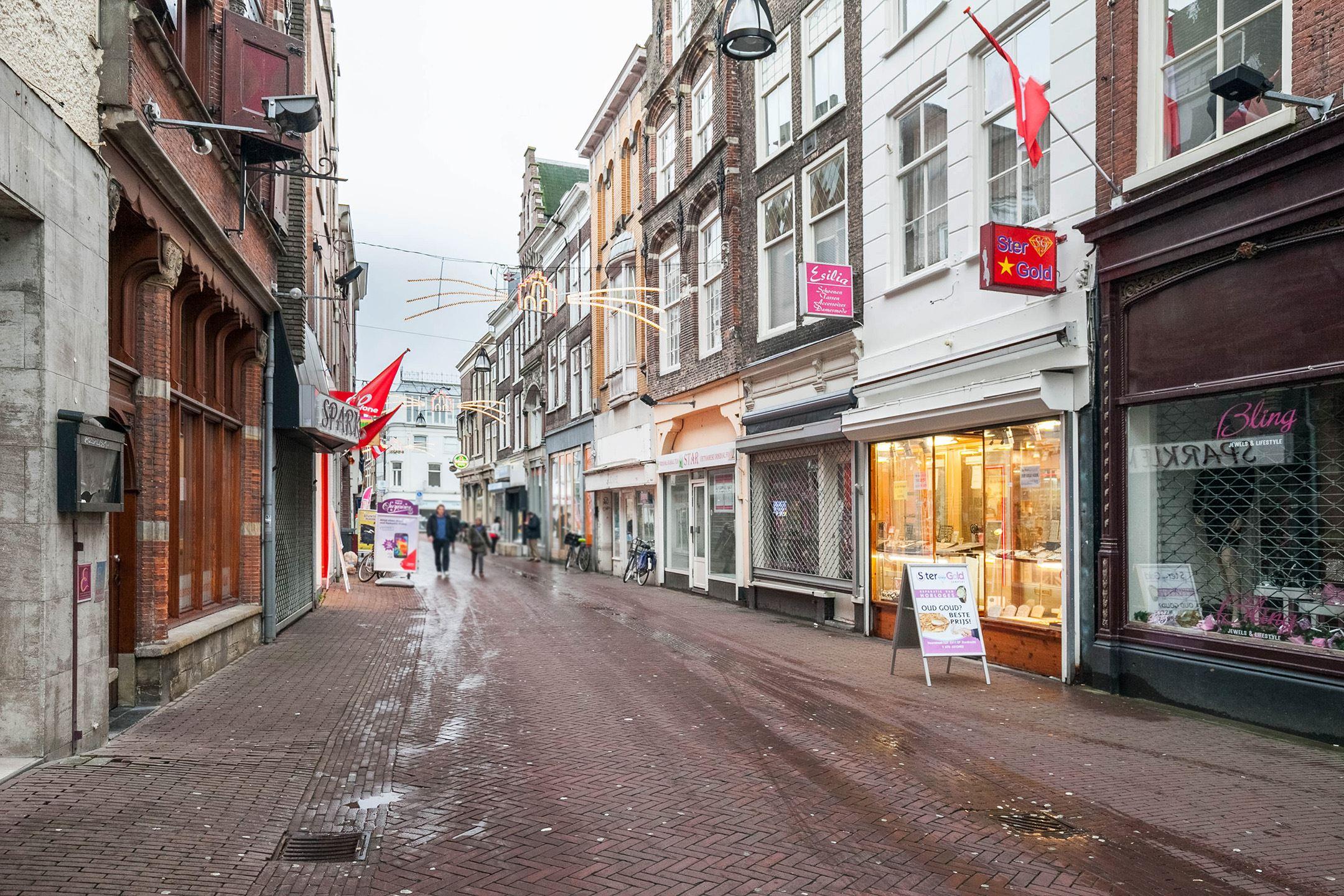Winkel dordrecht zoek winkels te koop voorstraat 331 for Mijn huis op funda