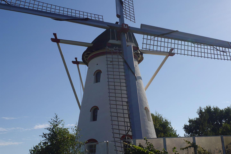 Bekijk foto 2 van Rijksweg 76