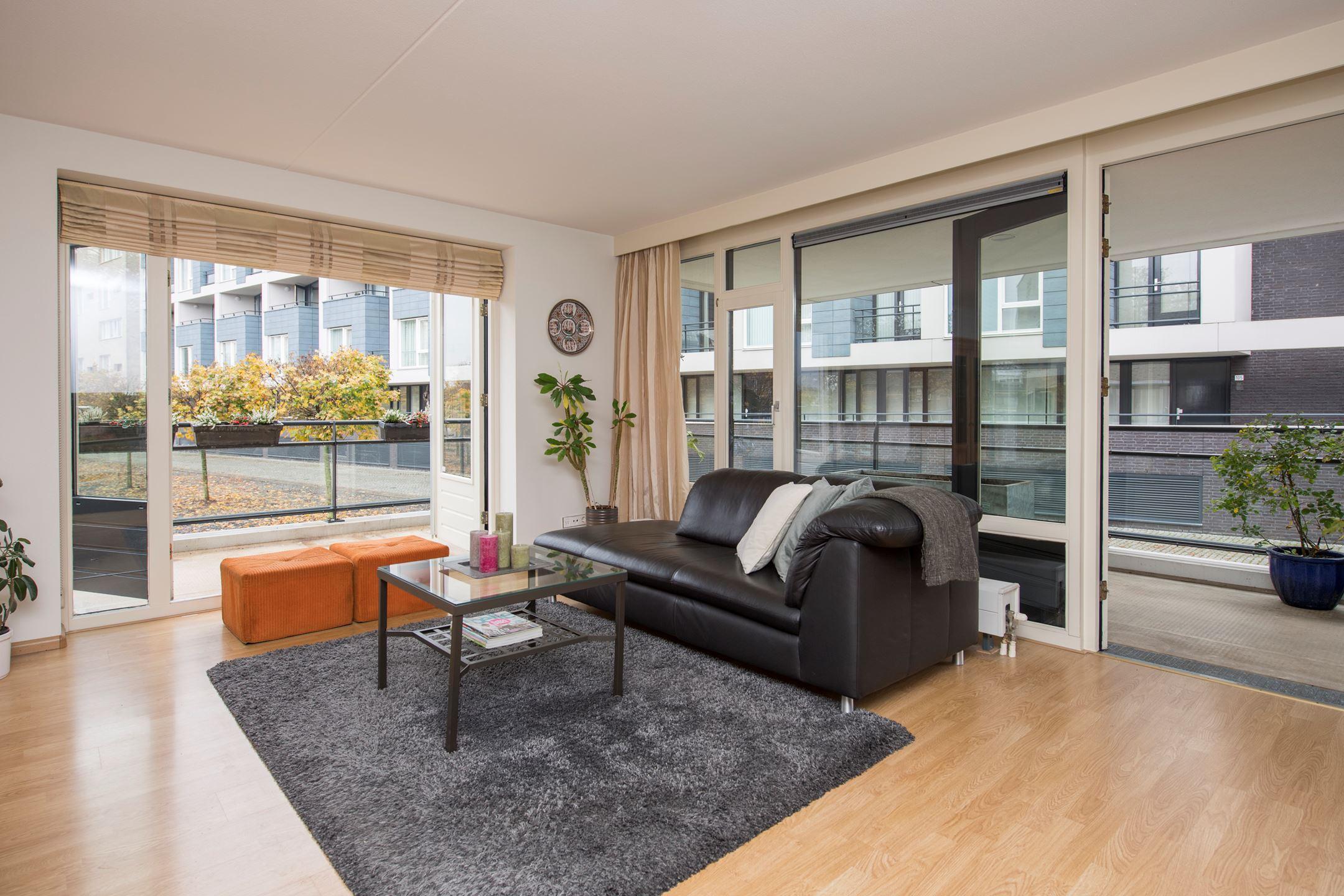 Verkocht gotenpark 155 5037 sn tilburg funda - Modern volwassen kamer behang ...