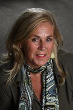 Mery van Leeuwen (Real estate agent assistant)