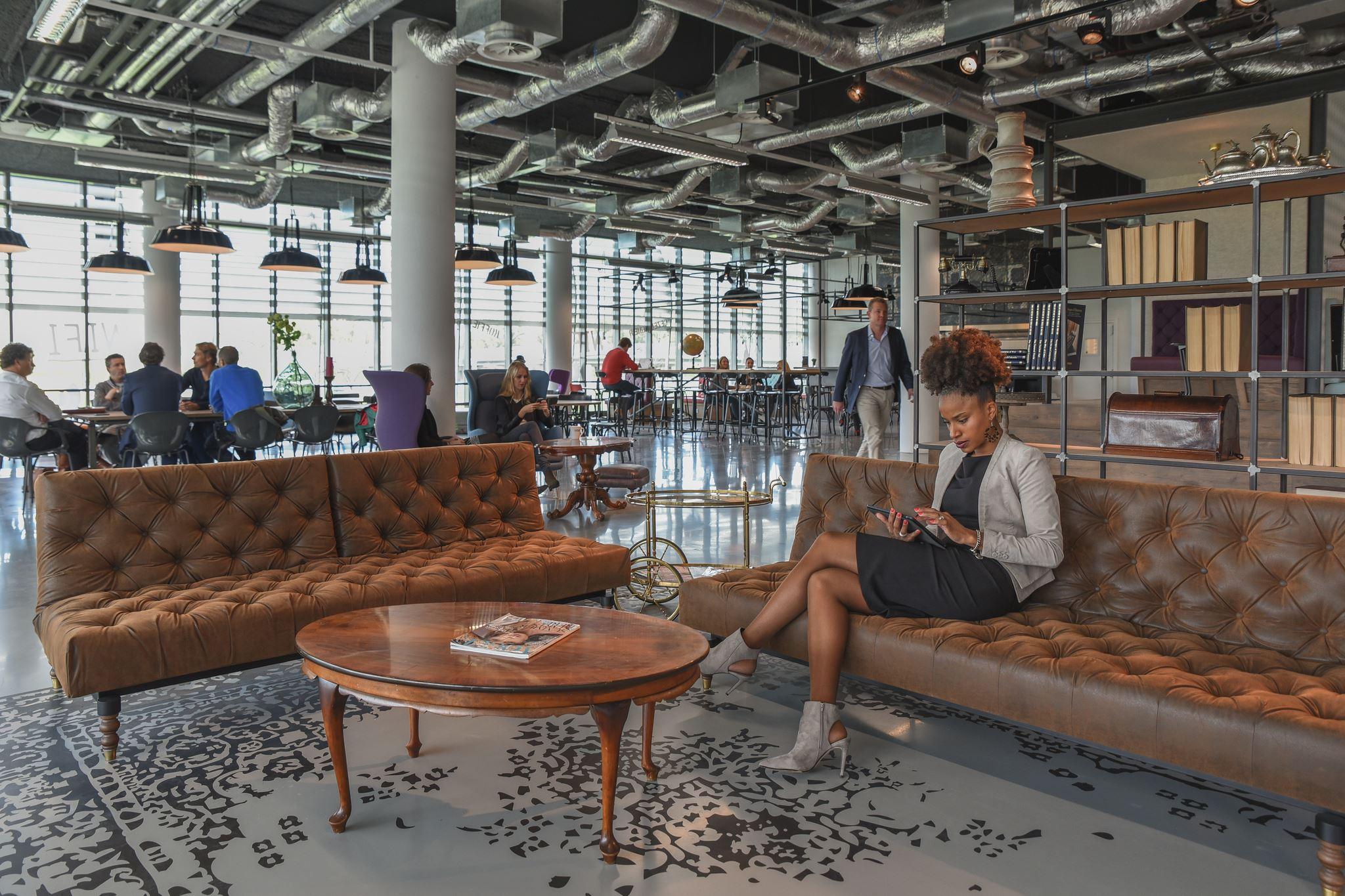 Kantoor den haag zoek kantoren te huur oude middenweg for Loft interieur den haag