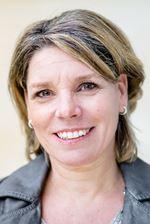 Hellen Van den Bergh-Damen (Candidate real estate agent)