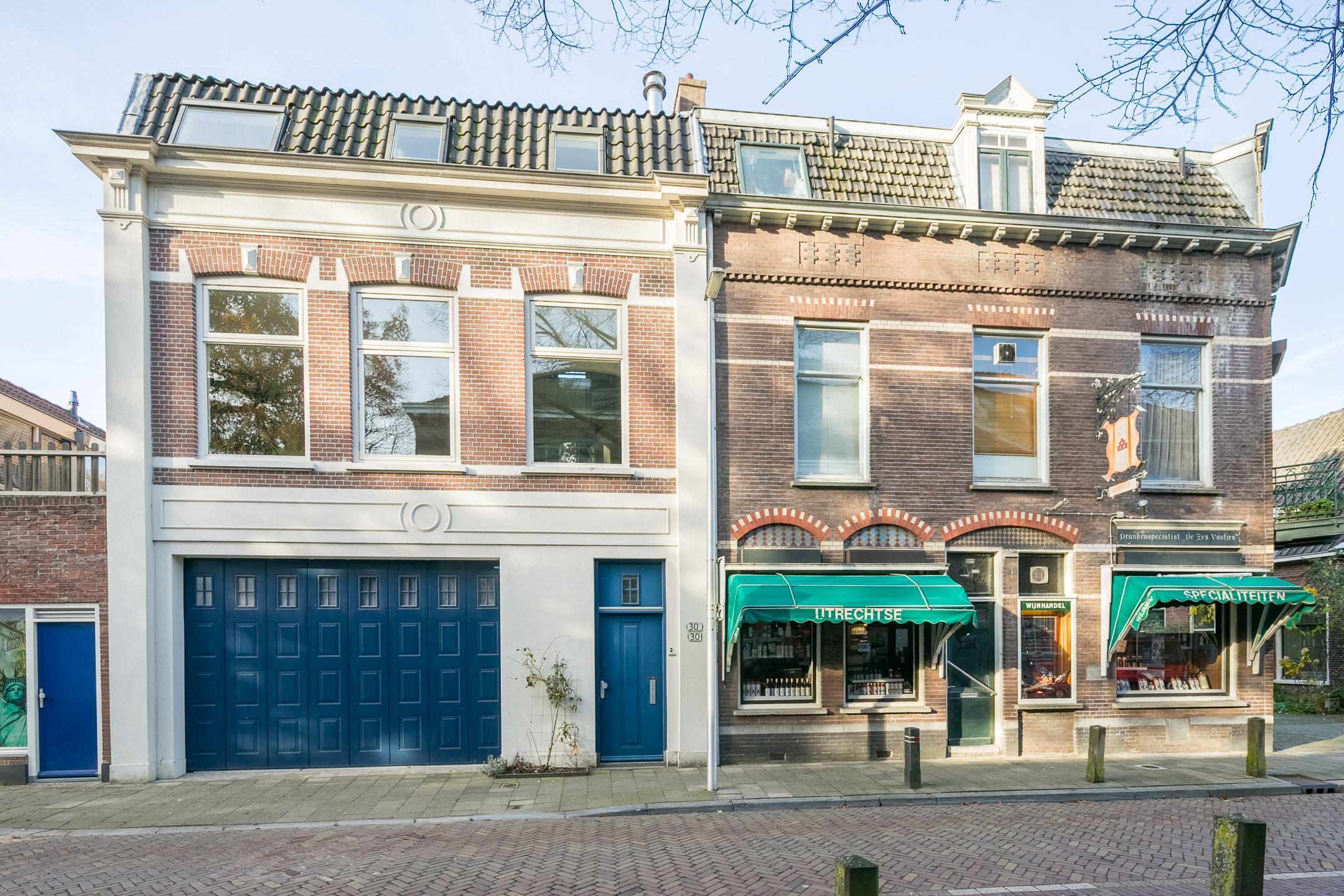 House for sale: mgr. van de weteringstraat 30 30bis 3581 ej utrecht