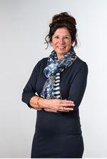 Mirjam de Vries - Bom (Secretaresse)