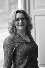 Suzanne Metselaar (Real estate agent assistant)