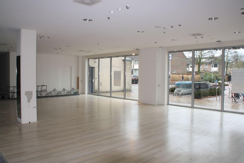 Bekijk foto 3 van Winkelcentrum 17 B