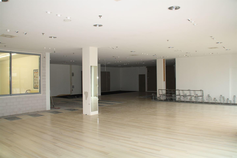 Bekijk foto 4 van Winkelcentrum 17 B