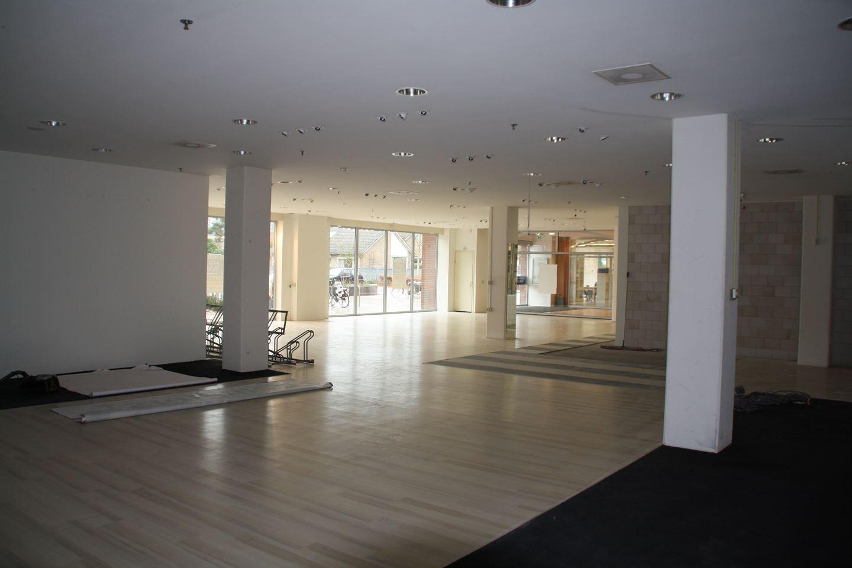 Bekijk foto 5 van Winkelcentrum 17 B