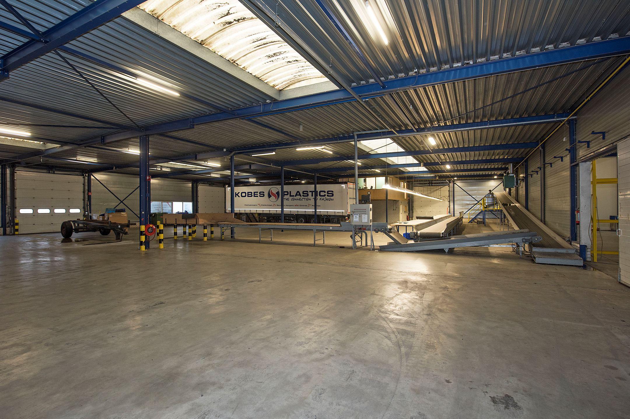 Almelo zoek verkocht bedrijvenpark twente 62 7602 kc for Funda woonboerderij twente