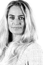 Vera Rijneveen (Commercieel medewerker)