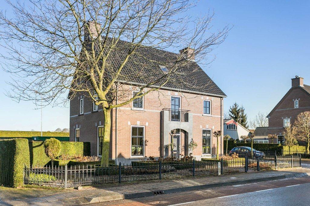 Bekijk foto 3 van Beerseweg 4 c