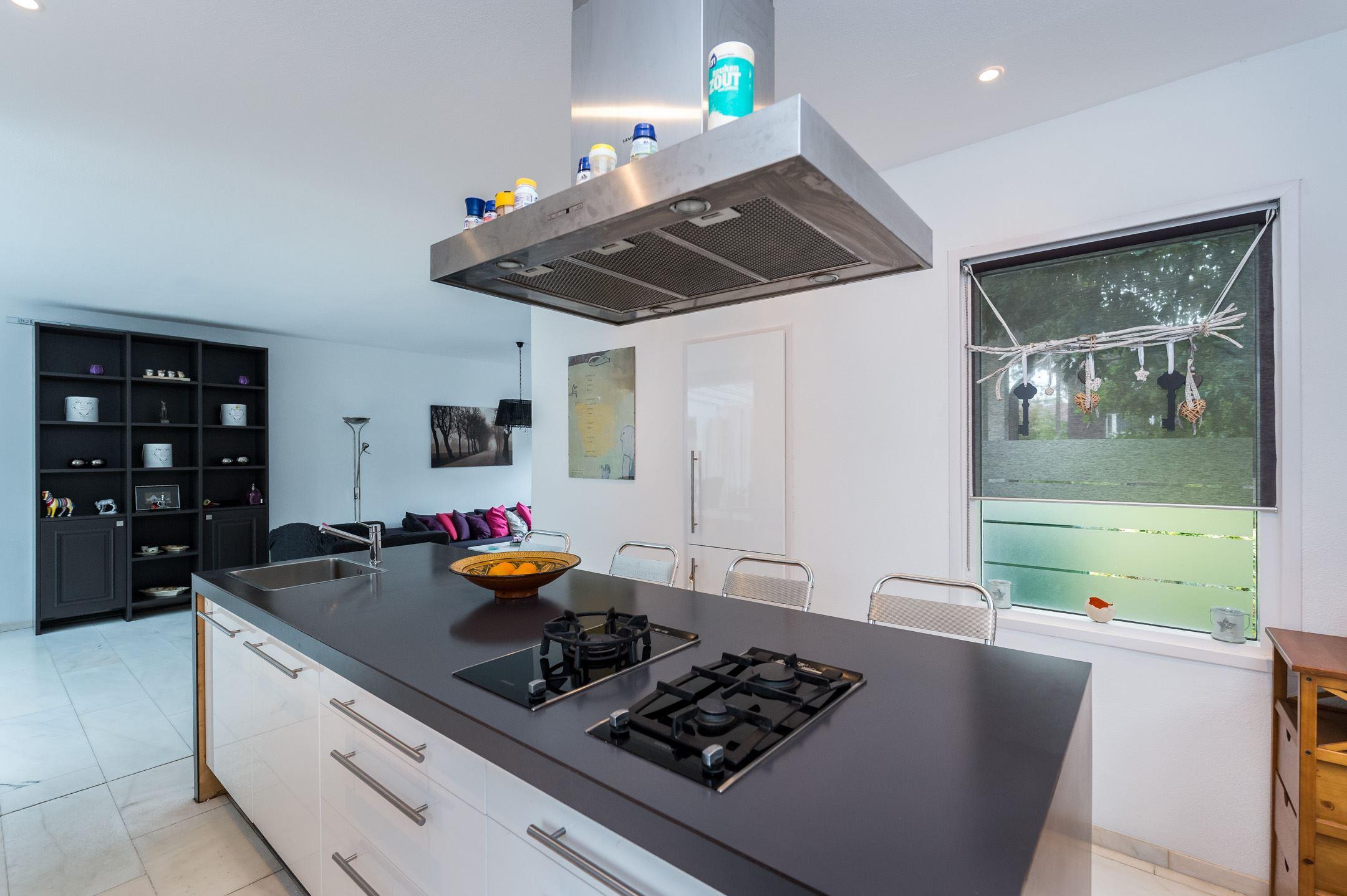 Keukens Oude Tonge : Huis te koop Emmastraat 5 3255 BD Oude Tonge [funda]
