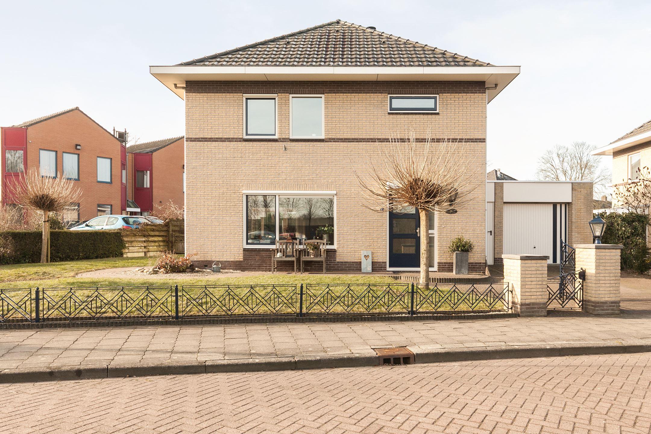 Huis te koop altenaweg 4 8081 tv elburg funda for Garage oostendorp
