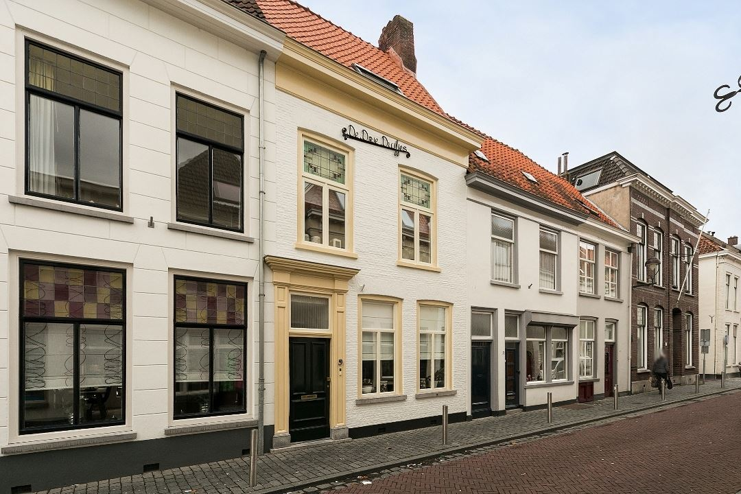 Huis te koop blauwehandstraat 9 4611 rk bergen op zoom for Woning op funda plaatsen