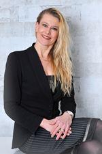 Elizabeth van Netten (Office manager)