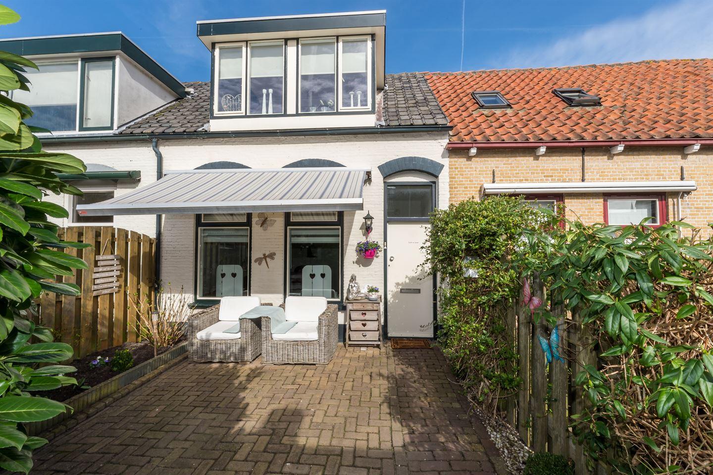 Huis te koop schoolpad 11 3245 av sommelsdijk funda - Eigentijdse entreehal ...